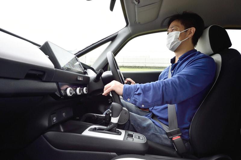 手動運転装置を使っての運転歴20年の筆者も、テックマチックシステムのリニアな操作感に驚愕!