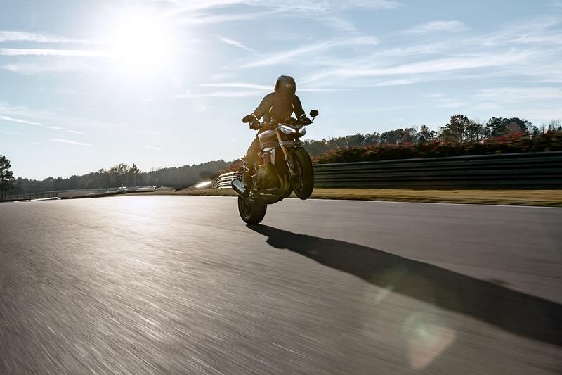 パワーウェイトレシオは、先代モデル比で25%以上も向上。1994年式のスピード トリプルのほぼ2倍となり、スピード トリプル史上最高の数値を実現した
