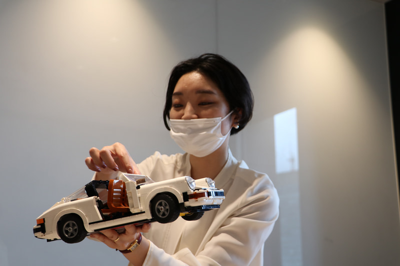 製品の特徴を解説するレゴジャパン株式会社 ブランドマネージャー 杉本杏菜氏