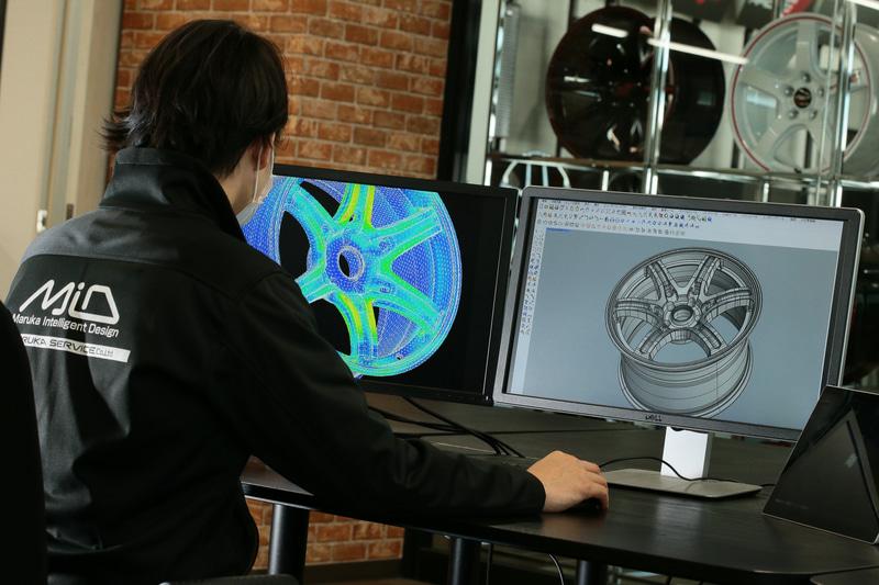 日本のアルミホイールメーカーであるマルカサービスは、リーズナブルな価格帯ながらデザインと品質に優れるMaruka Intelligent Design(略称MID)」ブランドを立ち上げている