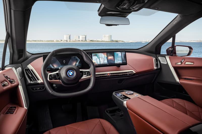 第8世代のBMW iDriveシステムが搭載されるBMWのEV(電気自動車)「iX」