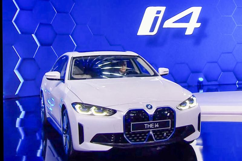 BMWの新型EV「i4」
