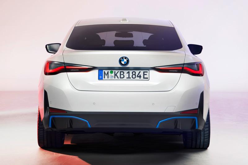 新型EV「i4」