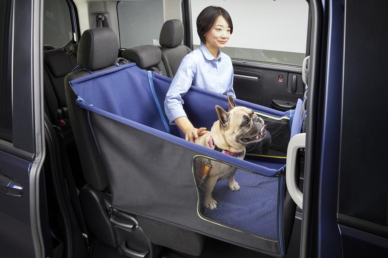 小・中型犬用の「ペットシートサークル」(使用イメージ)