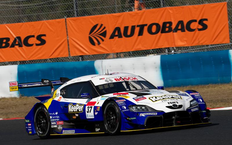予選でポールポジションを獲得した37号車 KeePer TOM'S GR Supra(平川亮/阪口晴南組、BS)