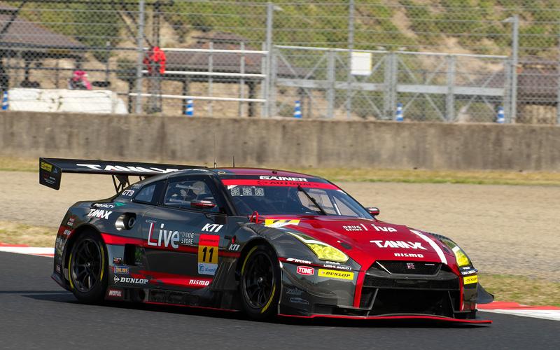 ポールポジションは、11号車 GAINER TANAX GT-R (平中克幸/安田裕信DL)