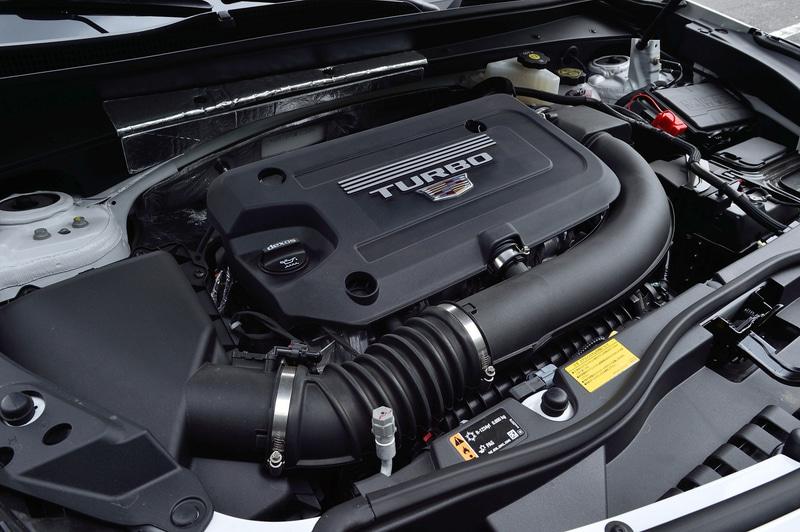 搭載する直列4気筒DOHC 2.0リッター直噴ターボエンジンは、最高出力169kW(230PS)/5000rpm、最大トルク350Nm/1500-4000rpmを発生。トランスミッションは電子制御式エレクトロニック・プレシジョン・シフトを備えた9速ATを組み合わせ、駆動方式は4WDとなる