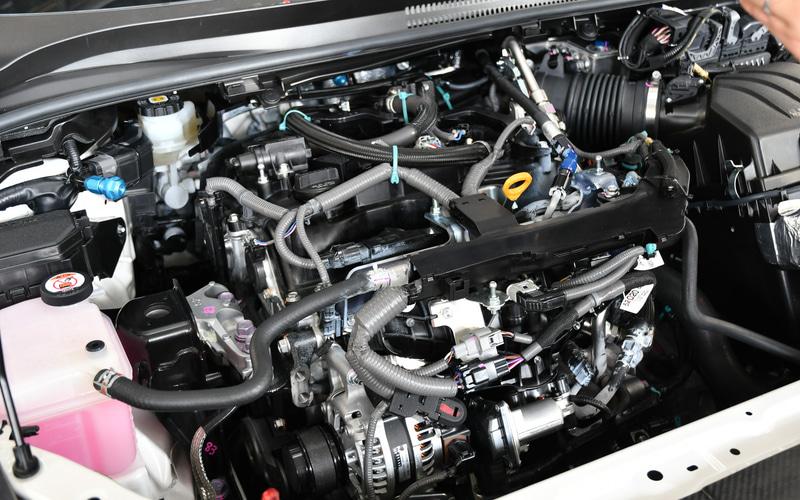 GRヤリスのエンジンを水素エンジン仕様に。エンジンブロック、燃焼室とも同じものを使い、インジェクターなどが水素仕様になっている