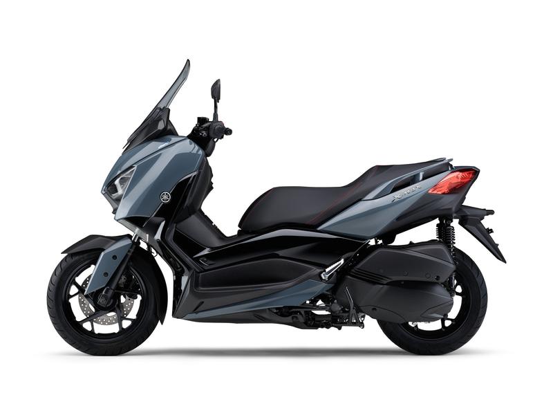 """""""グレー""""は、2021年モデルの各MAXシリーズでも採用しているソリッドで艶のあるグレーを採用し、トレンディかつスポーティなイメージを表現"""
