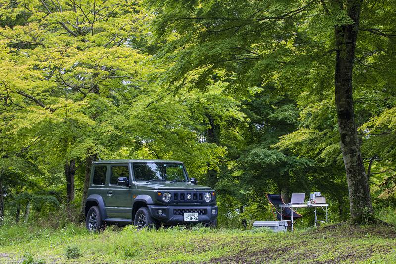 紅葉の木が生い茂る隠れ家的キャンプ場でアウトドアテレワークをしてきた