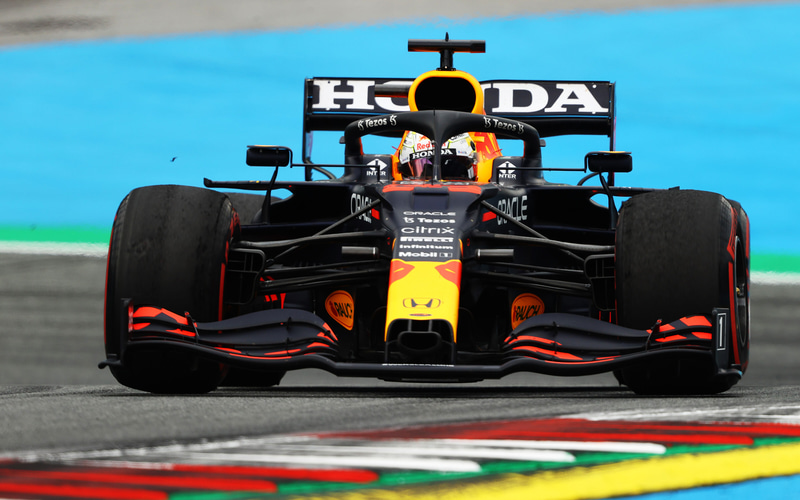 ポールポジションを獲得したマックス・フェルスタッペン選手(33号車 レッドブル・レーシング・ホンダ) (C)Getty Images / Red Bull Content Pool