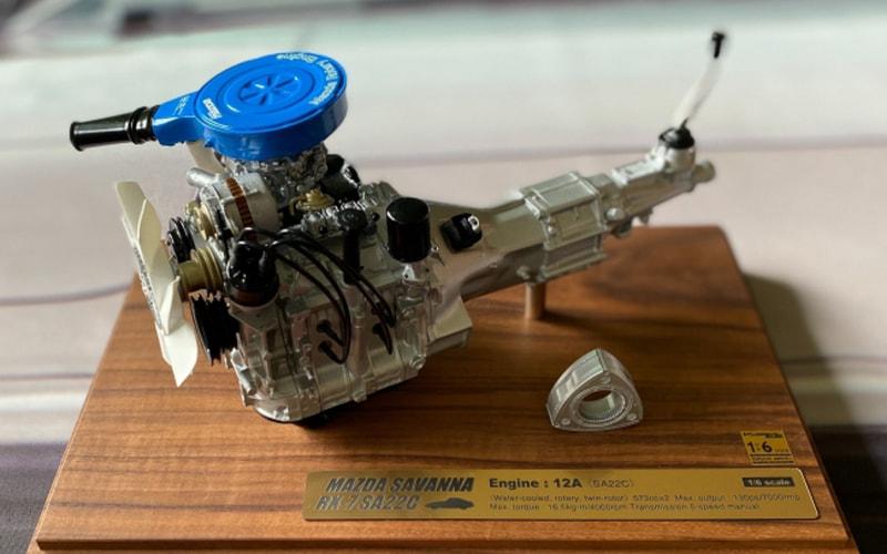 1/6スケールRX-7 SA22C 12A型エンジンモデル