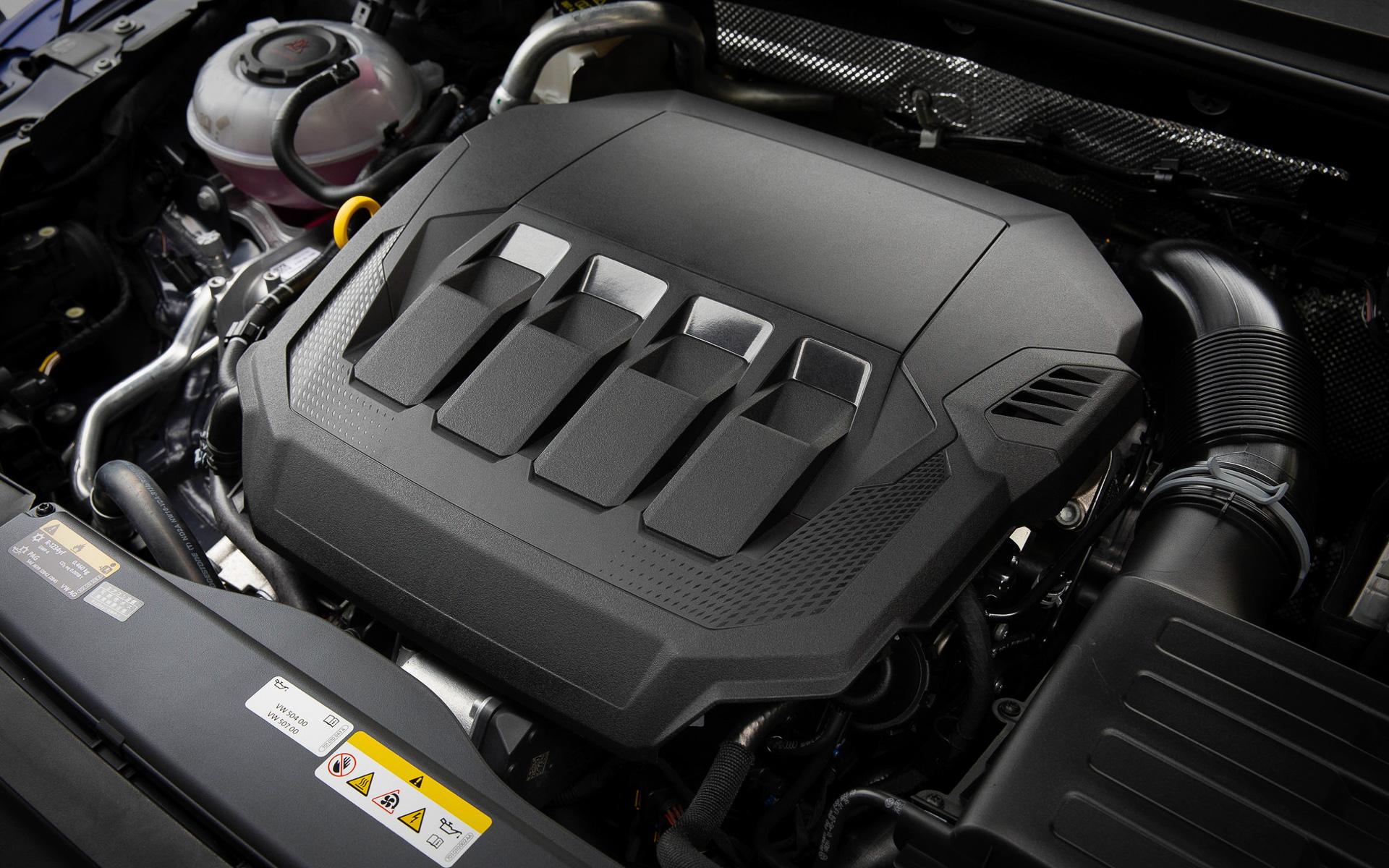 2.0リッターTSIエンジンは最高出力200kW(272PS)、最大トルク350Nmを発生。7速DSGと4MOTION(フルタイム4輪駆動)が組み合わせられる