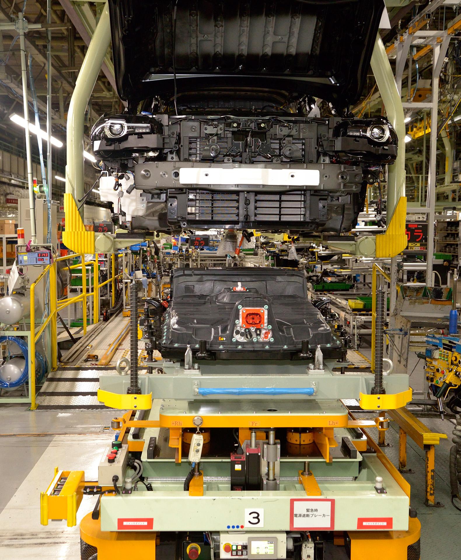 広島本社工場で生産される「MX-30」EVモデル