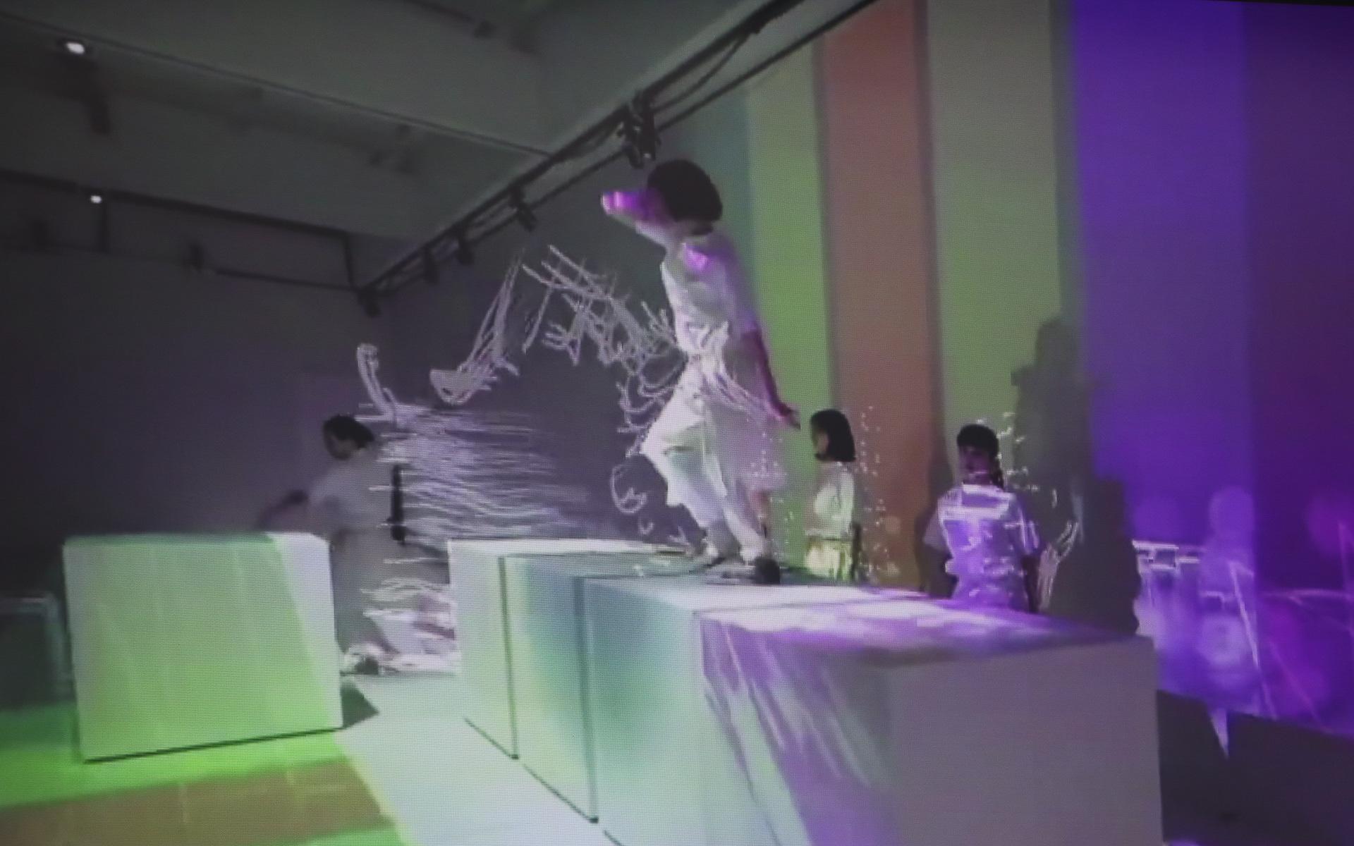 真鍋氏の映像作品
