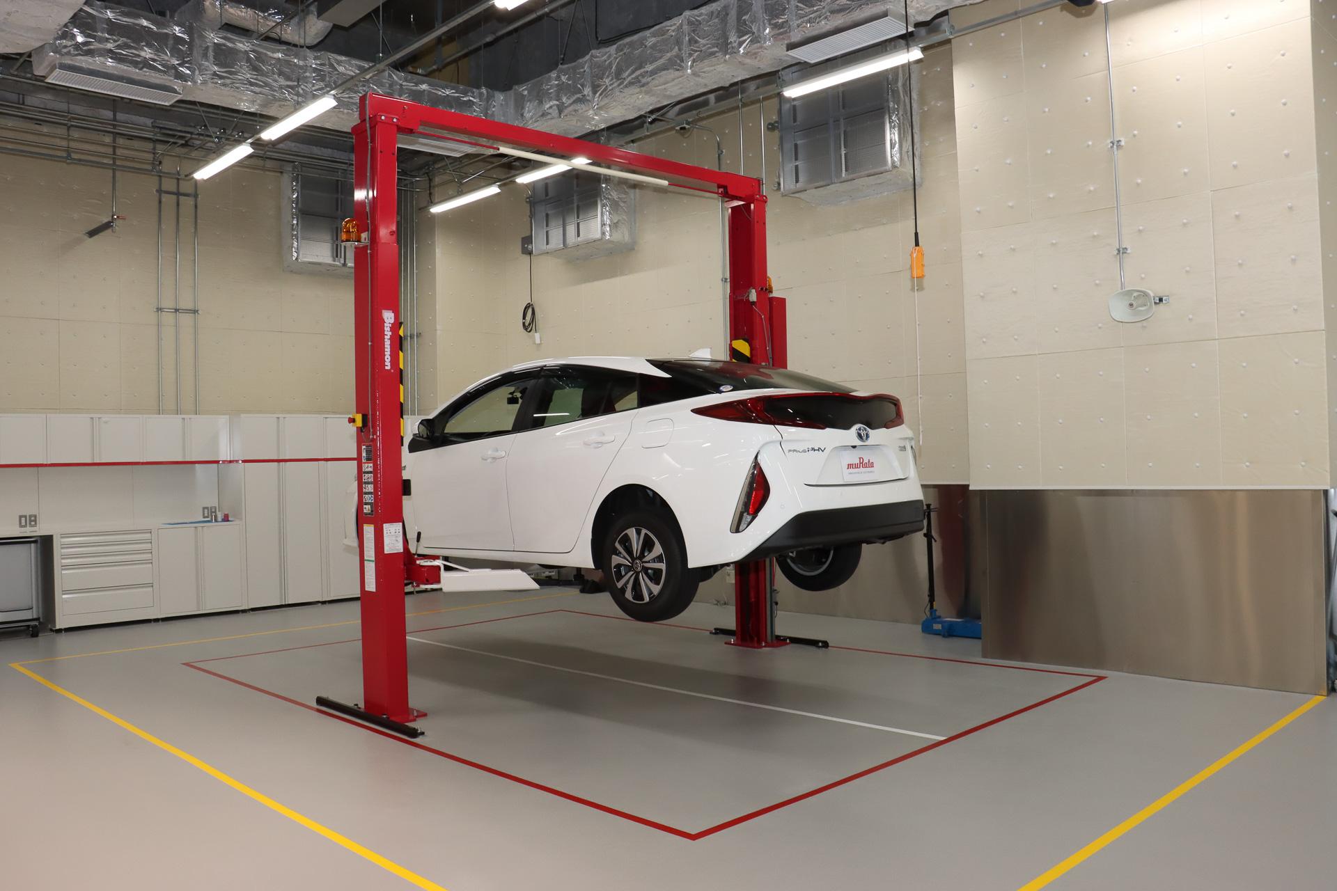 報道陣向けに公開された村田製作所の車載関連展示施設「Murata みらい Mobility」