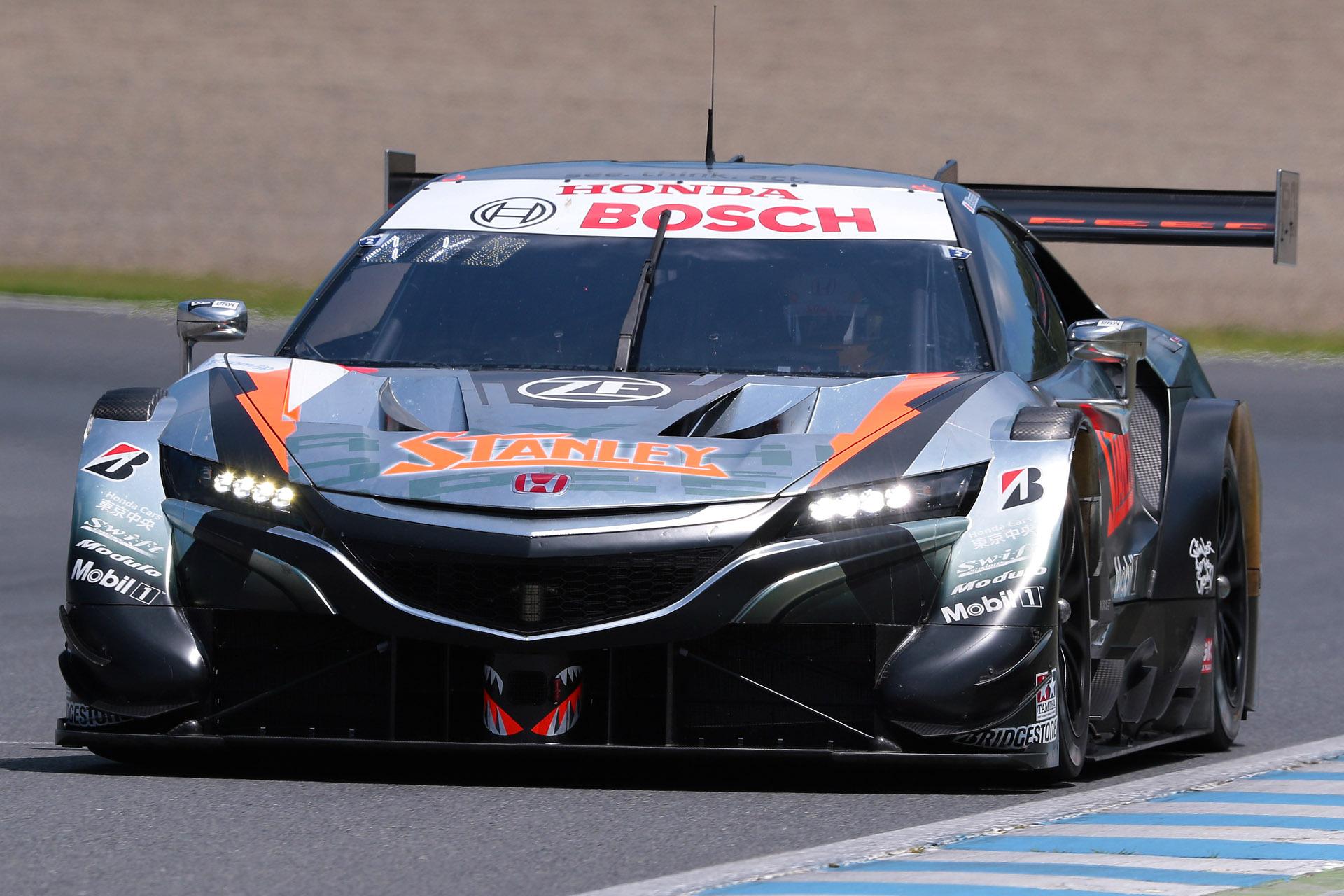 GT500でポールポジションを獲得した1号車 STANLEY NSX-GT(山本尚貴/牧野任祐組、BS)