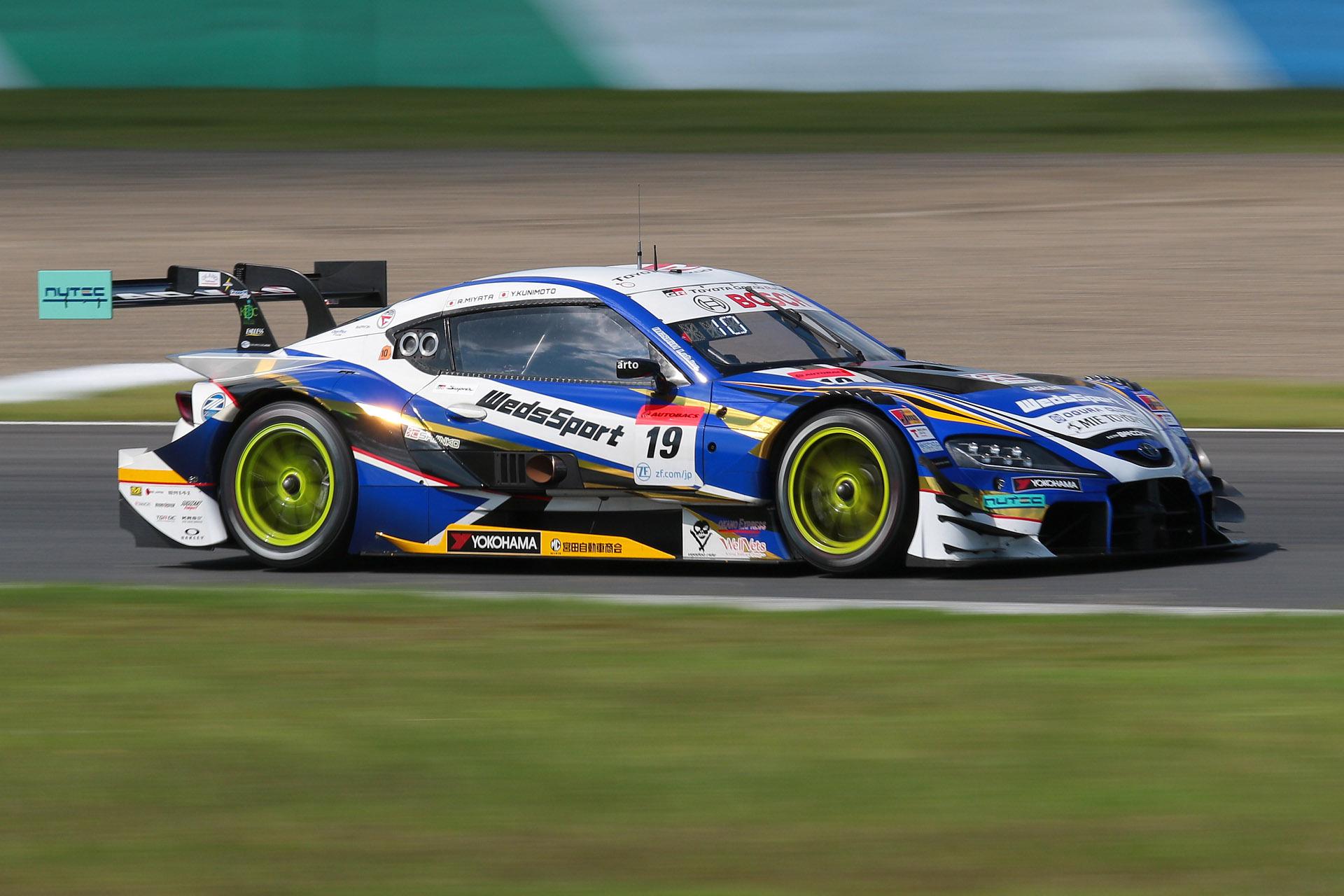 予選2位は19号車 WedsSport ADVAN GR Supra(国本雄資/宮田莉朋組、YH)
