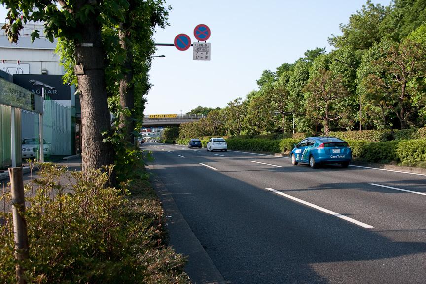 プリウス・ユラスタイル、新型プリウス、インサイトの順に出発。環状8号を東名高速東京IC(インターチェンジ)へと向かう。気になる人はゆらたく屋ブログをチェック