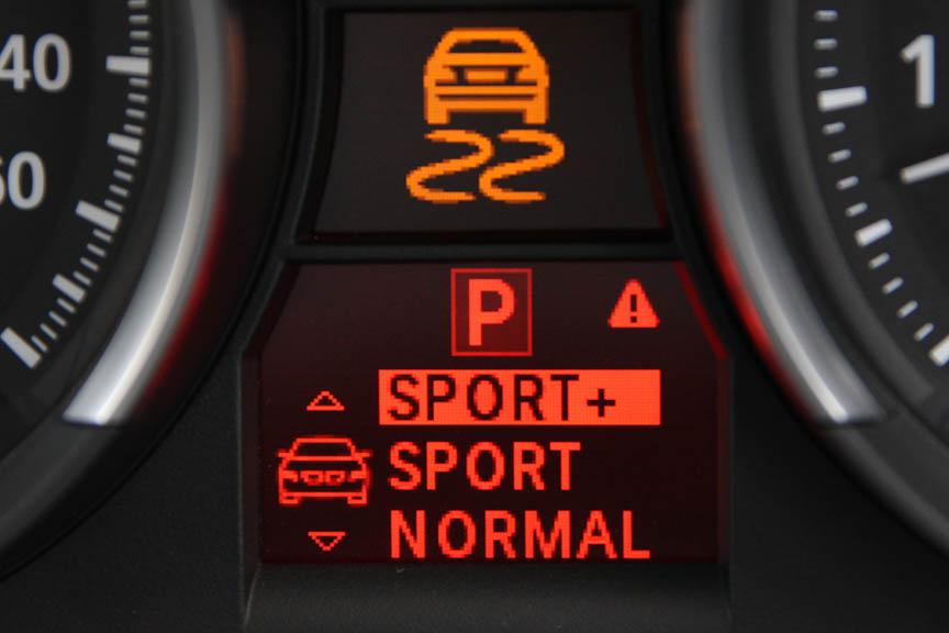 トランスミッションやエンジン、パワーステアリングをノーマル、スポーツ、スポーツ+の3モードで設定できるダイナミック・ドライビング・コントロールを標準で装備する