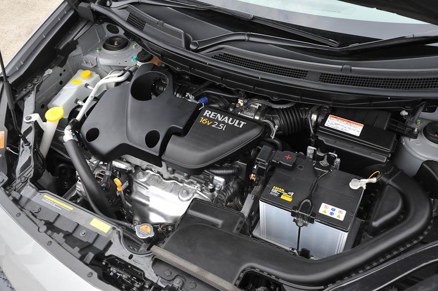エンジンは2.5リッター直列4気筒DOHC。126kW(170PS)、226Nm(23.1kgm)を発生。CVTと組み合わされる