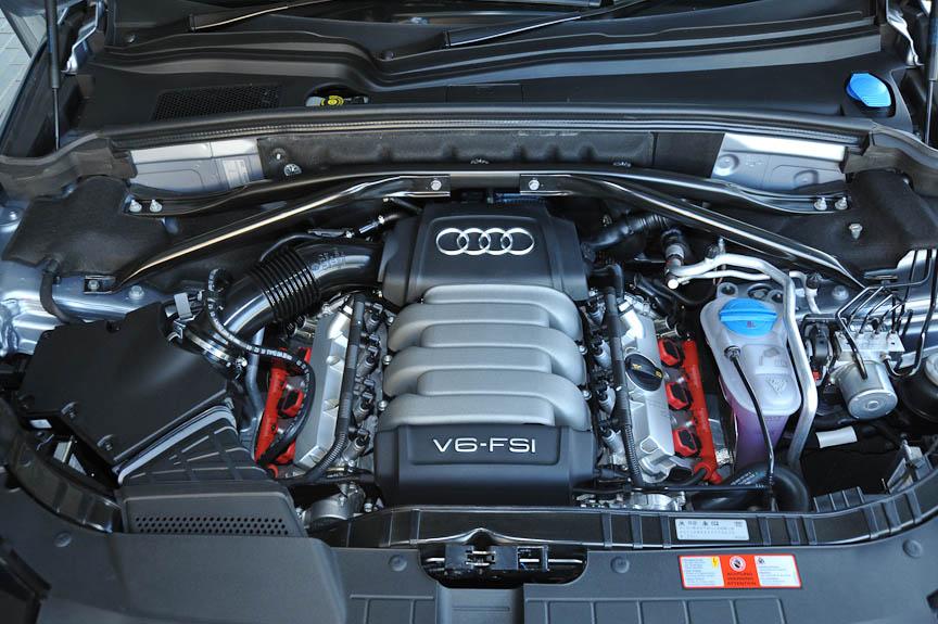 3.2 FSIは自然吸気のV6直噴ガソリンエンジンを搭載する