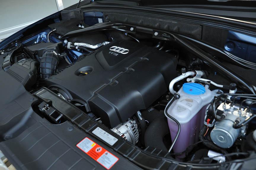 2.0 TFSI quattroの直列4気筒エンジン