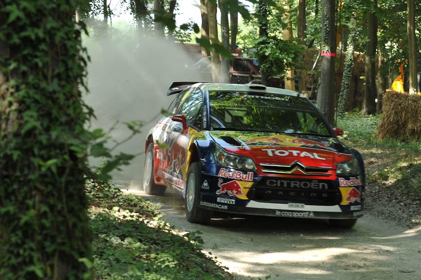 シトロエンからは最新のC4 WRCと、エース、セバスチャン・ローブが出場。あっさりとフォレスト・ラリー・ステージのトップタイムを叩き出してしまうあたりはさすが5連覇の帝王
