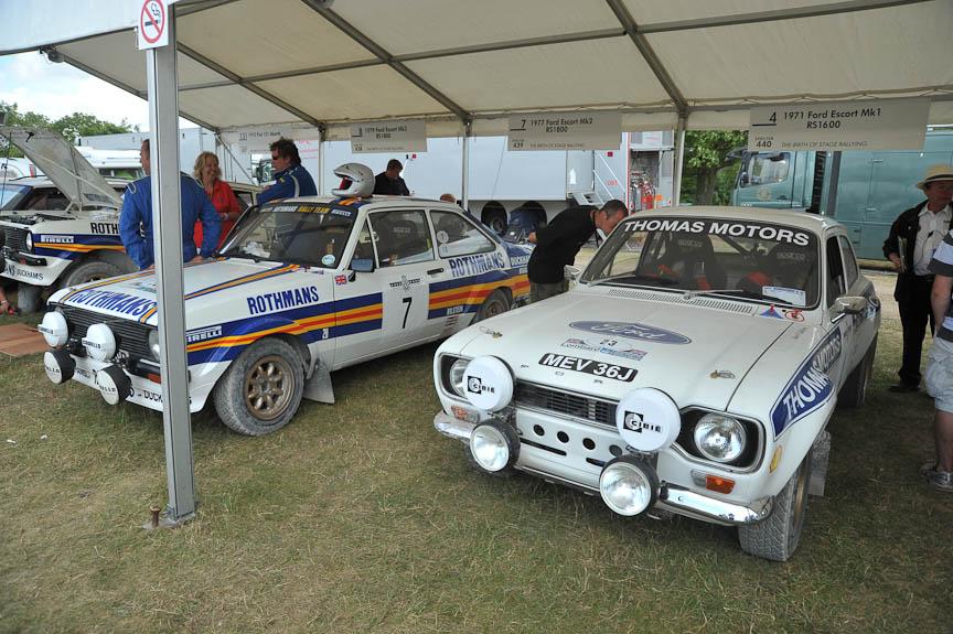 フォード エスコート MK I(右)とMK II