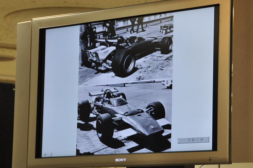 水平対向12気筒エンジンを搭載する初のフェラーリF1、312B。いわゆる葉巻型のF1マシン。車名のBは水平対向エンジンの別名であるBOXER(ボクサー)を表す