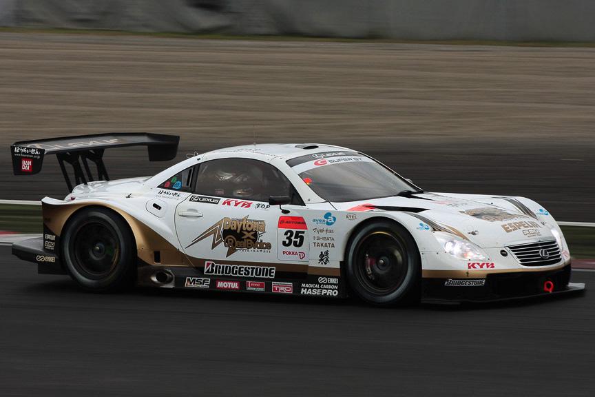 優勝した35号車 KRAFT SC430(石浦宏明/大嶋和也)