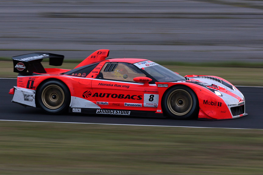 8号車 ARTA NSXは予選5位から着々と順位を上げ、優勝も狙える位置にいたが炎上リタイヤとなった
