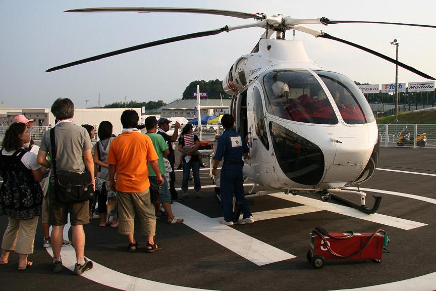 キッズウォークではドクターヘリも公開され後部席に乗ることもできた