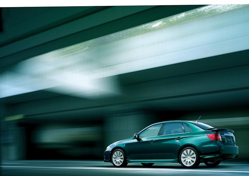 インプレッサ アネシス2.0i-S。今回の改良では、新たに新色の「ブリティッシュレーシンググリーン・パール」を設定した