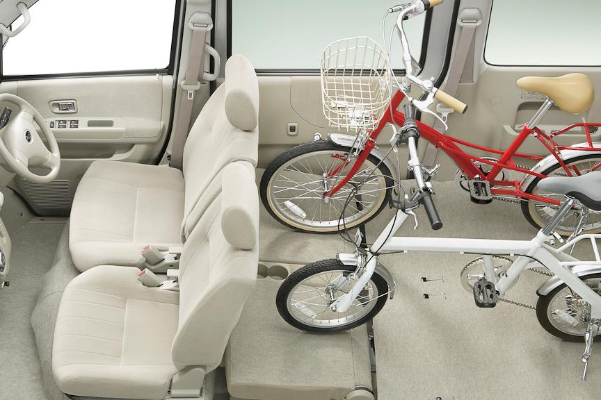 2名乗車では、自転車を複数台積み込める