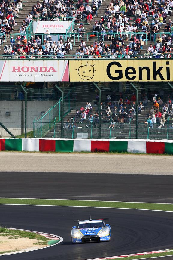 荒選手が駆るのは、HIS ADVAN KONDO GT-R。今シーズンは開幕戦の岡山で優勝するなど、富士での活躍にも期待がかかる