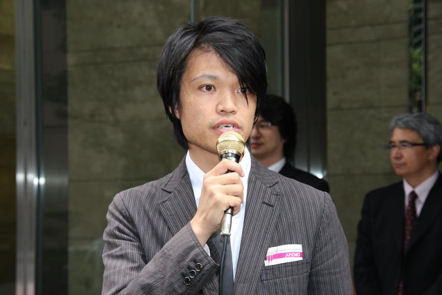 光岡自動車 横野工場 工場長代理の青木孝憲氏