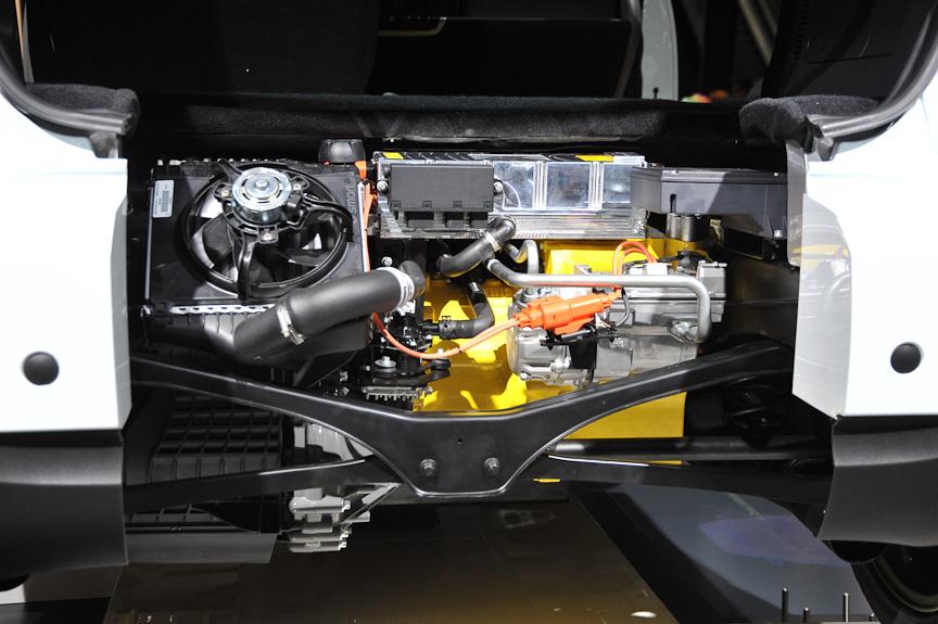 エンジンの代わりに搭載されたモーター