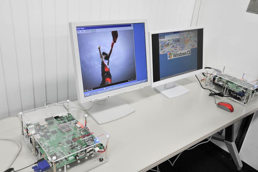 SH-NaviJ3を搭載した評価ボードによるデモ