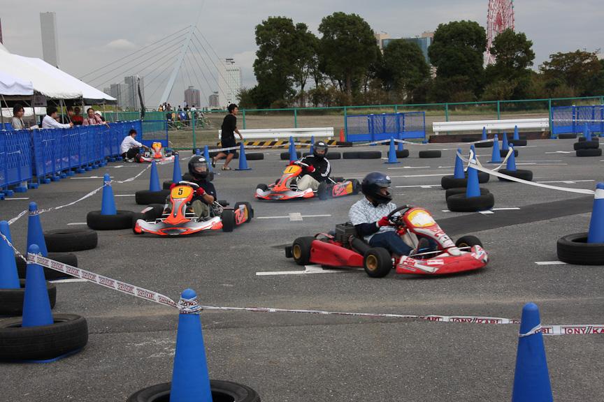 本山哲選手プロデュースのレーシングカート体験試乗会も開催