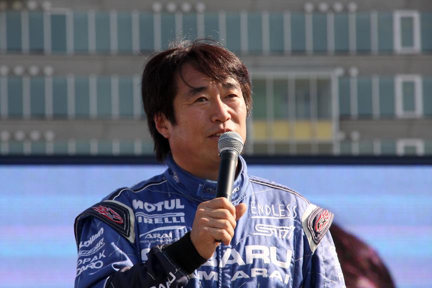 新井選手は「今年はPWRCに新しい車両で参戦し、手応えもいい。ぜひ表彰台に上がりたい」と述べていた