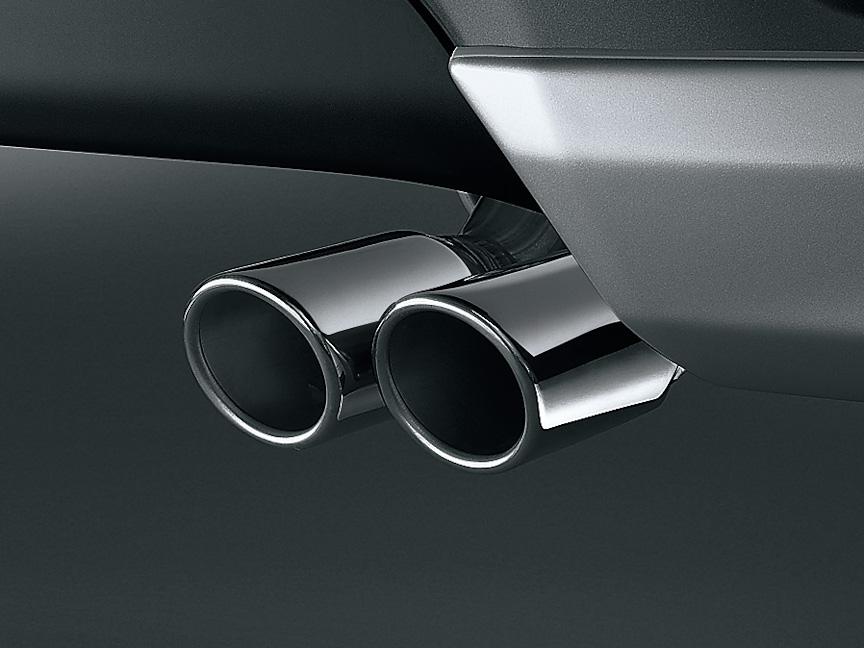 「スポーツマフラー」。出口は65φのラウンド形状でデュアル出し。2WD(FF)車用、5万5650円
