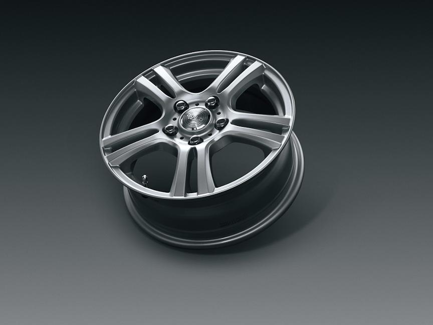 「15インチアルミホイールセット」。ウェッズ ギルドTS5(カラー:シルバー)の4本セットで、タイヤは標準装備のものを再利用。4万6200円