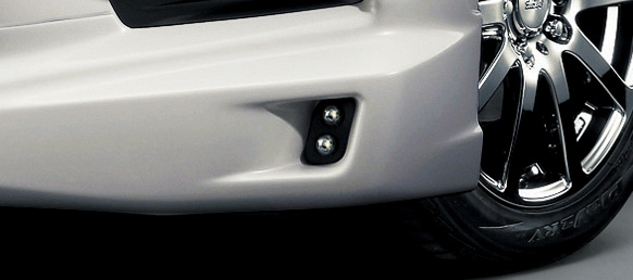 ステップワゴン用アンダースポイラーにはエアロイルミネーション(LED)も設定