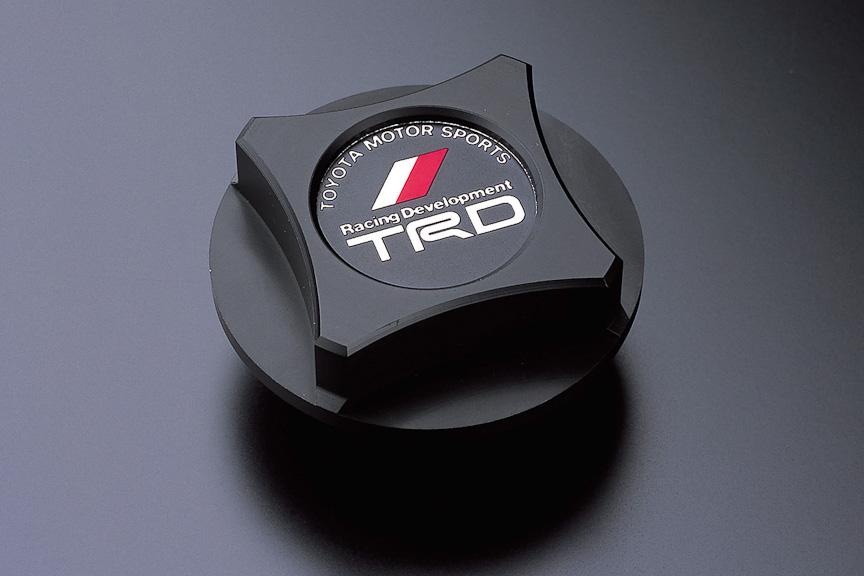 TRDオイルフィラーキャップ(樹脂製)は、モータースポーツでの使用も考慮し、スプリングロックの装着も可能。価格は6825円
