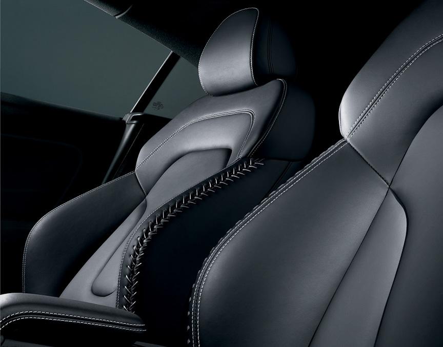 運転席と助手席にはシートヒーターを採用