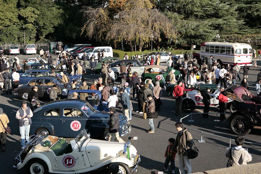 展示風景。約100台のクラシックカー展示などを予定している