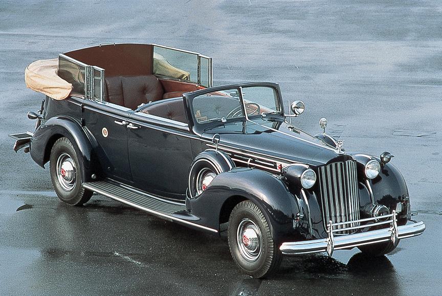 展示予定のトヨタ博物館所蔵クラシックカー。左からド ディオン ブートン1 3/4HP(1899年フランス)、サンビーム グランプリ(1922年イギリス)、パッカード トゥエルヴ(1939年アメリカ)