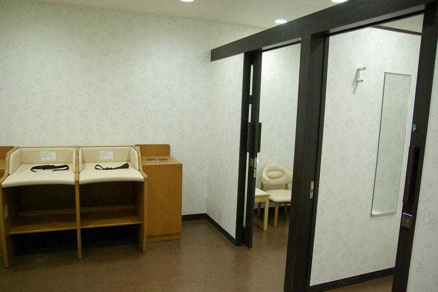 授乳室を備えた、ベビールーム