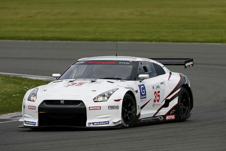 FIA GT選手権2010年仕様が国内で初披露される(写真は2009年仕様)